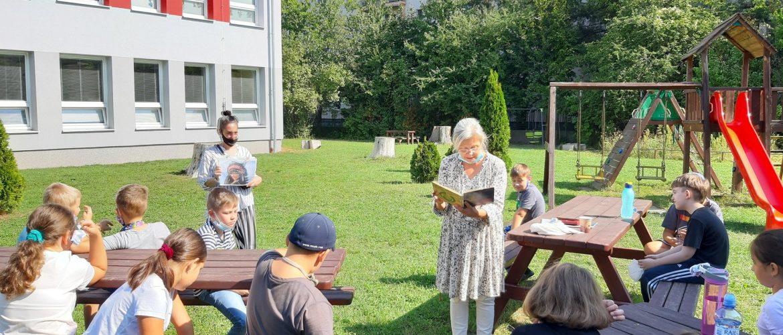 Eliška Sadílková s jej výtvarno-dramatickými lekciami